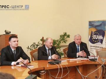 Про міжнародне право та збройний конфлікт на сході України