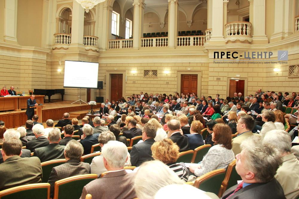 Конференція трудового колективу схвалила проект Статуту Університету та звіт професора Володимира Мельника за перший рік діяльності на посаді Ректора