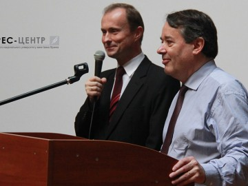 Візит Надзвичайного і Повноважного Посла Франції в Україні Алена Ремі до Наукової бібліотеки Університету
