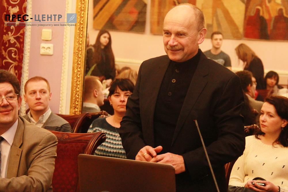 The Polish politician Zygmunt Berdychowski met with the University students