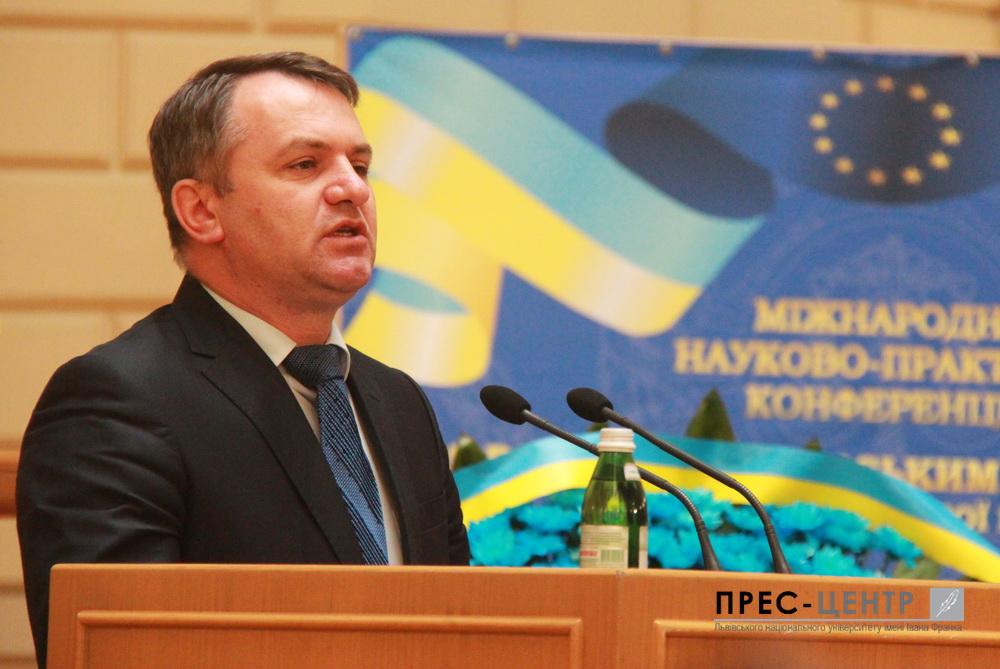 Близько 200 суддів та експертів з України та Польщі беруть участь в обговоренні діяльності господарських судів в умовах реформування судової системи України