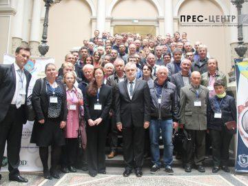 Відомі вчені з України та 20 інших країн беруть участь у ХІІІ Міжнародній конференції з кристалохімії інтерметалічних сполук