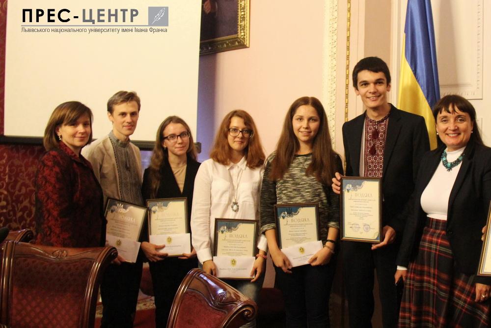 Випускники, які набрали максимальні 200 балів на ЗНО, обрали Львівський університет