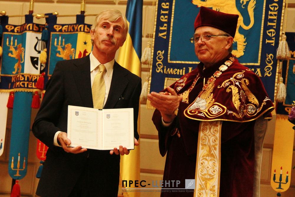 Відомий славіст, популяризатор україністики в Європі та світі, професор Віденського університету Алоїз Вольдан став Почесним доктором (Doctor Honoris Causa) Львівського університету
