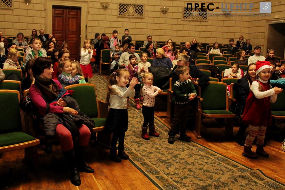 http://www.lnu.edu.ua/wp-content/uploads/2016/12/2016-12-19-mykolay-04.jpg