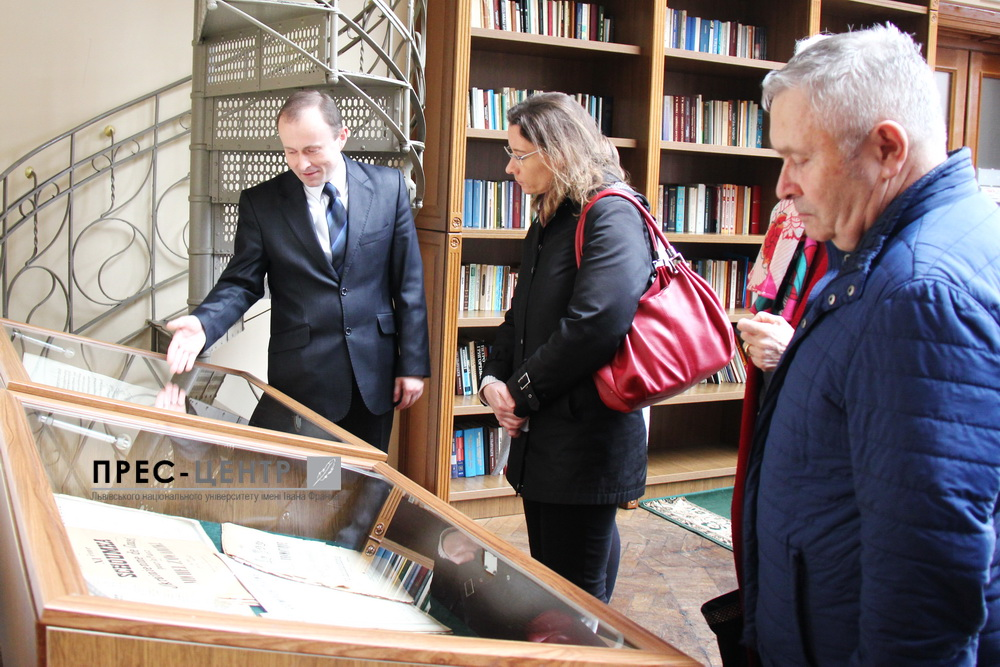 Надзвичайний і Повноважний Посол Франції в Україні Ізабель Дюмон відвідала університетську книгозбірню
