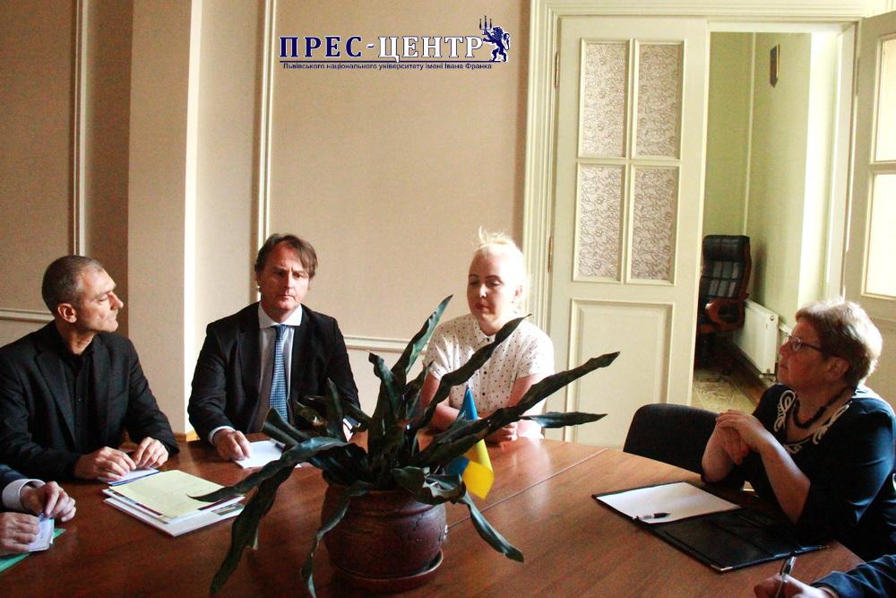 Представники Львівського та Версальського університетів обговорили перспективи налагодження співпраці