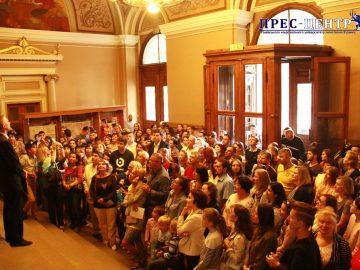 Понад 300 охочих відвідали екскурсію в Університеті