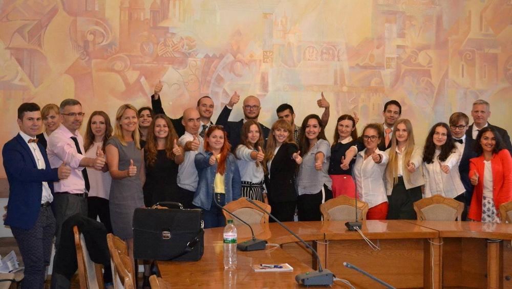 Представники 12 країн світу беруть участь у Львівській академії лідерства