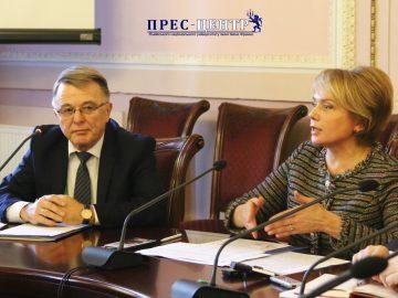 У Львівському університеті міністр освіти і науки України Лілія Гриневич розповіла про питання мови в Законі «Про освіту»