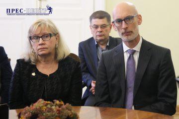 2017-10-27-delegation-06