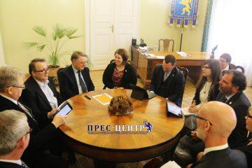 2017-10-27-delegation-09