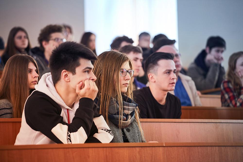 Студенти програми DS&IS починають знайомитись з 4-ма напрямками навчання