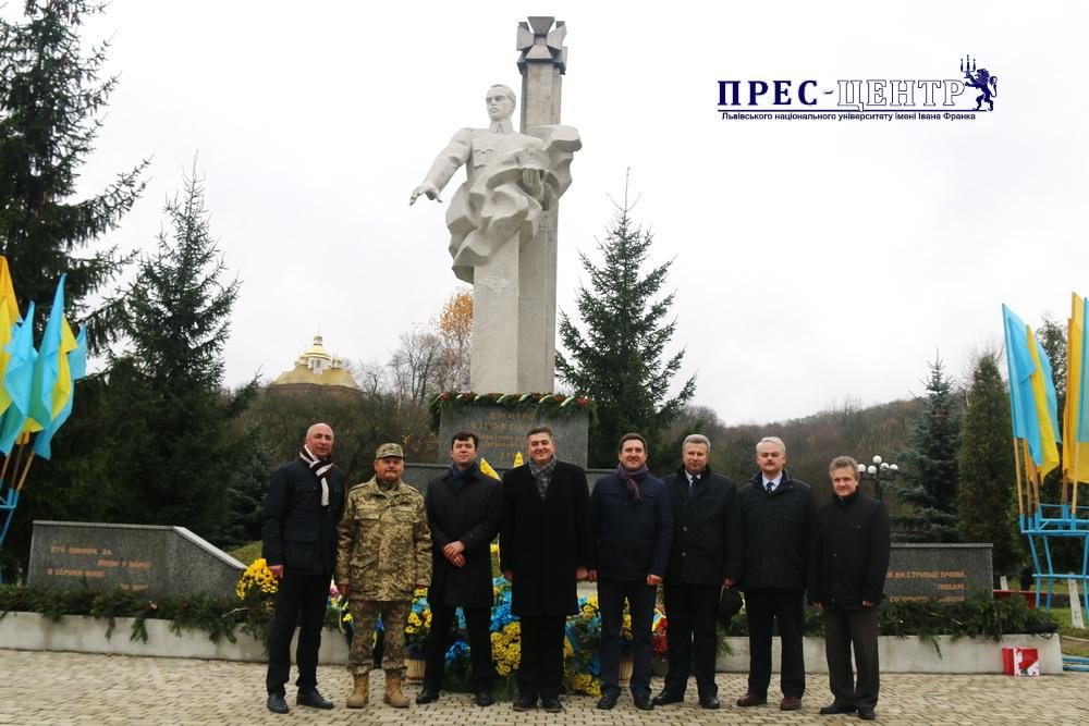 На Івано-Франківщині представники Університету відзначили 130-ліття від дня народження Дмитра Вітовського