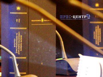 Олег Дух презентував монографію «Превелебні панни: Жіночі чернечі спільноти Львівської та Перемишльської єпархій у ранньомодерний період»