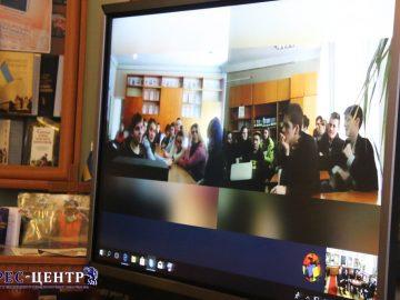 Представники Університету провели інтернет-діалог з учнями Львівщини та Волині