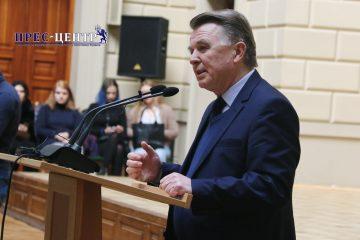 2018-03-02-minister-01