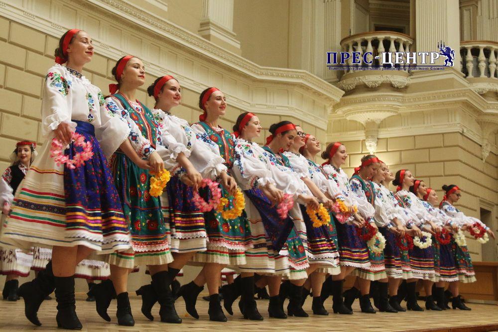Відбувся спільний концерт Народного дівочого хору «Ліра» та Народного ансамблю пісні і танцю «Черемош»