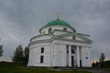 смт. Диканька. Миколаївська церква. Родинна церква Кочубеїв