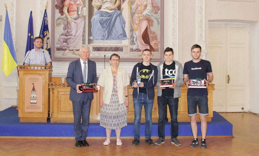 Команди Львівського університету тріумфували на Міжнародній студентській олімпіаді з програмування «KPI-OPEN 2018»