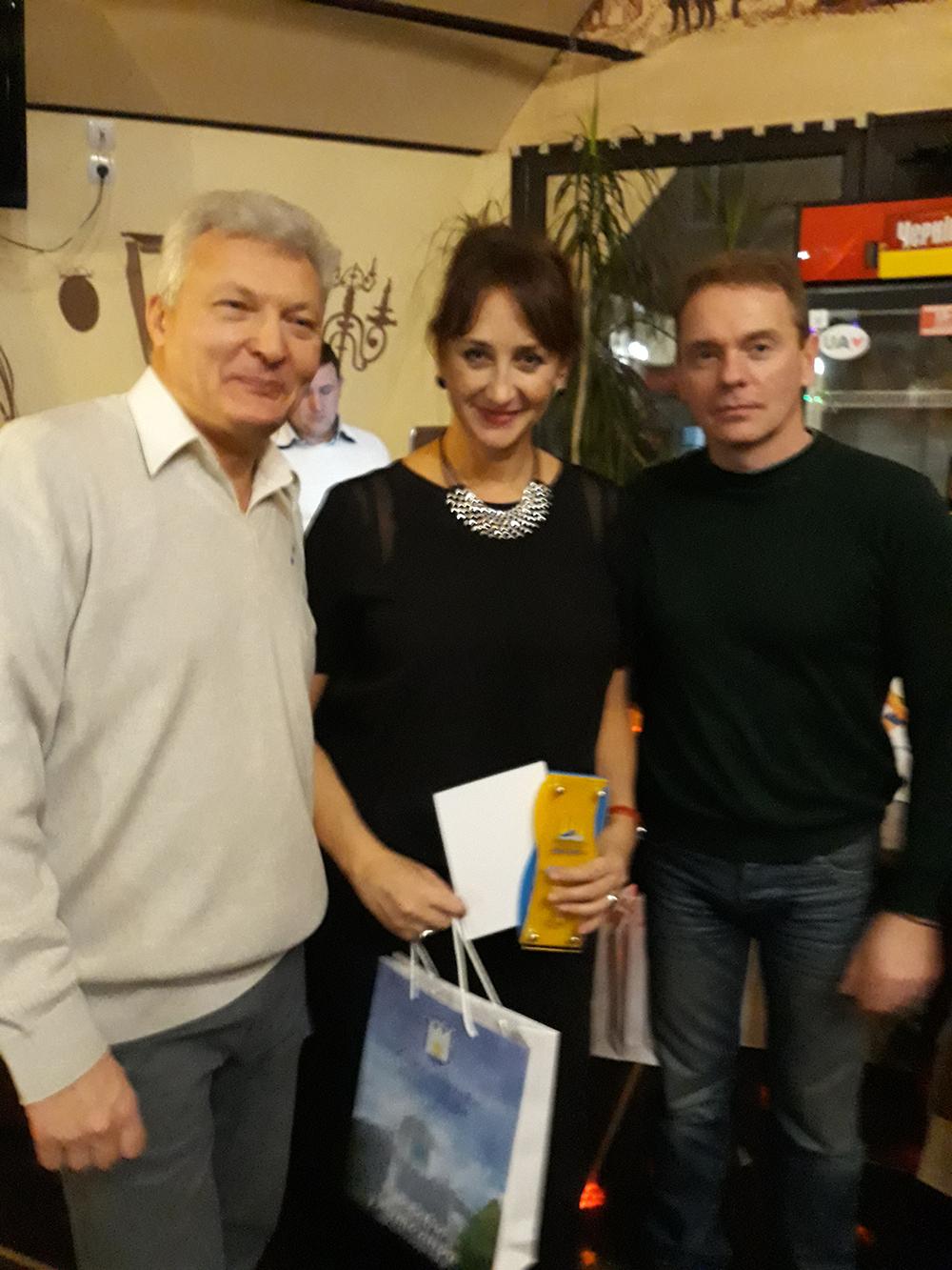Романа Сіренко отримала нагороду за 3-тє місце у Національному кубку Асоціації з плавання в категорії «Мастерс»