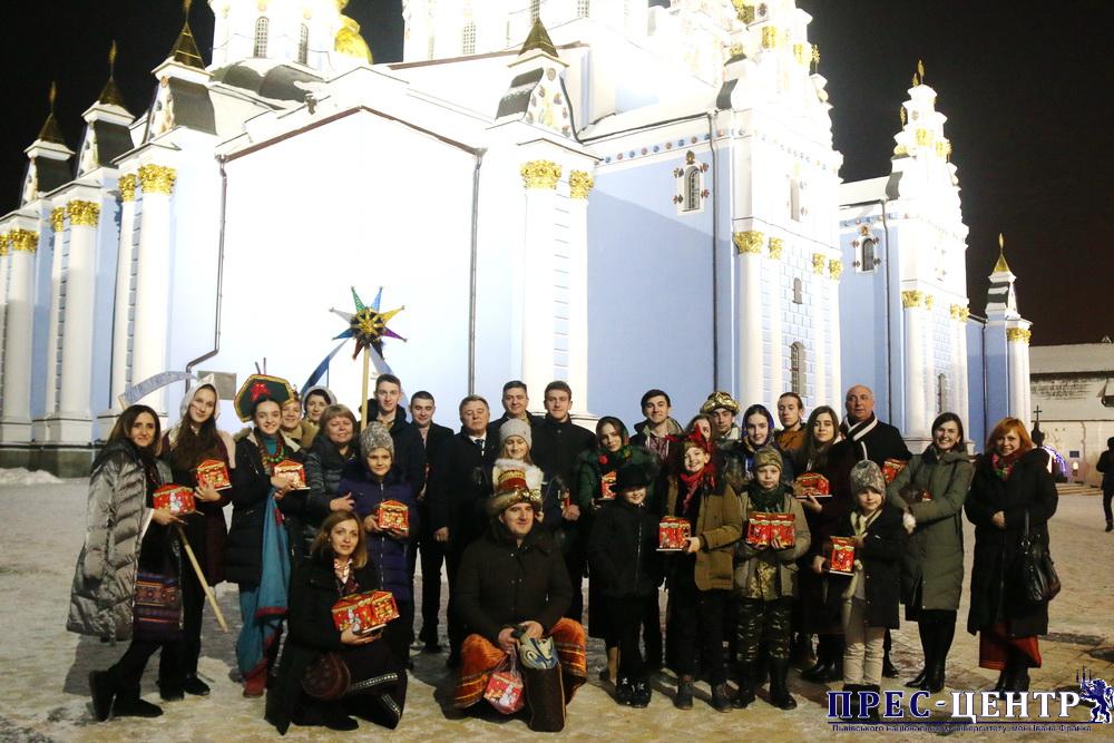 Представники Університету презентували главам українських церков вертепне дійство