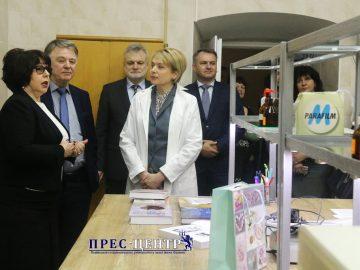 На базі ЛНУ ім. Івана Франка відкрито два центри колективного користування науковим обладнанням