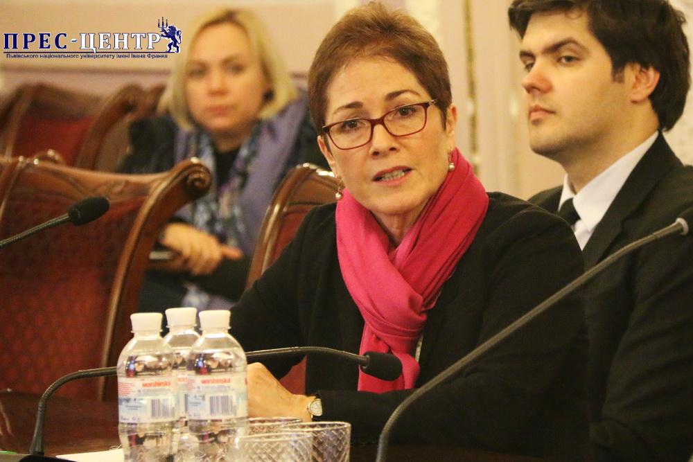 Львівський університет відвідала Надзвичайний і Повноважний Посол США в Україні Марі Йованович