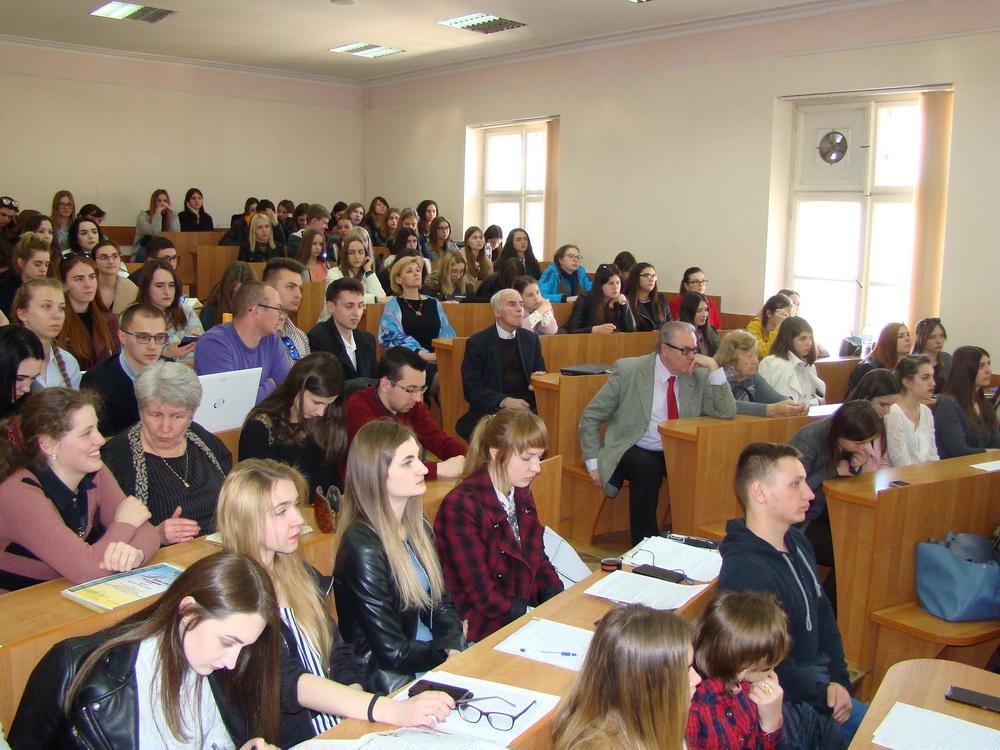 Відбулася Міжнародна студентська конференція «Актуальні питання лінгвістики, світової літератури та художнього перекладу»