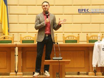 Студенти Університету поспілкувалися з лідером гурту «Антитіла» Тарасом Тополею