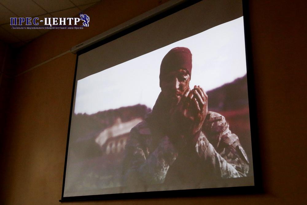 В Університеті презентували фільм «Соловей співає. Доки голос має»