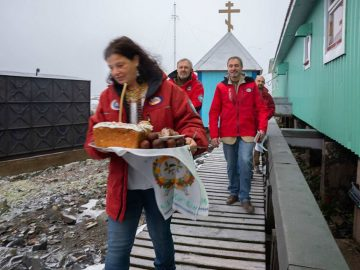 Учасники Української антарктичної експедиції відсвяткували Великдень