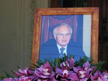 Університет вшановує пам'ять Івана Вакарчука